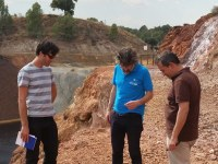 investigadores nas minas
