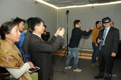 Embaixador da República da China visita laboratório de Realidade Virtual