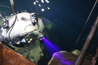 Robôs submarinos exploram mina no Reino Unido e caverna em Budapeste